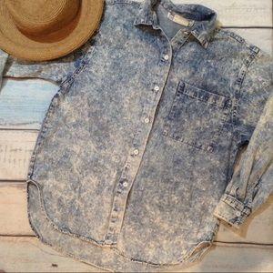 VTG 90s Acid Washed Denim Button Up Shirt